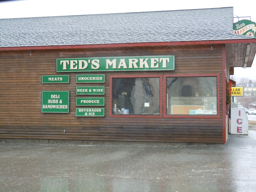 043015 5 Ted's Market Island Pond